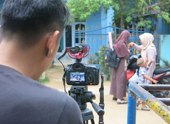 Behind-the-scenes still from Prevention+ film shooting in Indonesia. Photo courtesy of Rutgers WPF Indonesia.